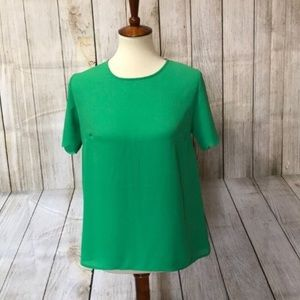 Scallop detailed green top w/ open back